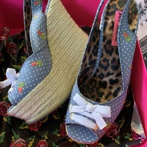 Betsey Johnson Shoes - 💗Betsey Johnson Fab Wedges💗